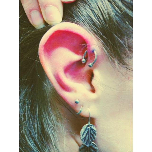 Inner-Pinner/Forward-Helix Piercing w/CBB
