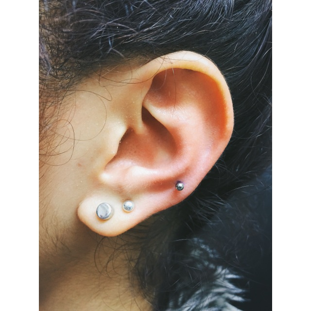 Ashleigh's Lower/Mid Ear Cartilage Piercing