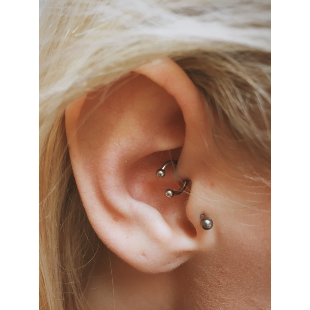 Ella's Diath Piercing