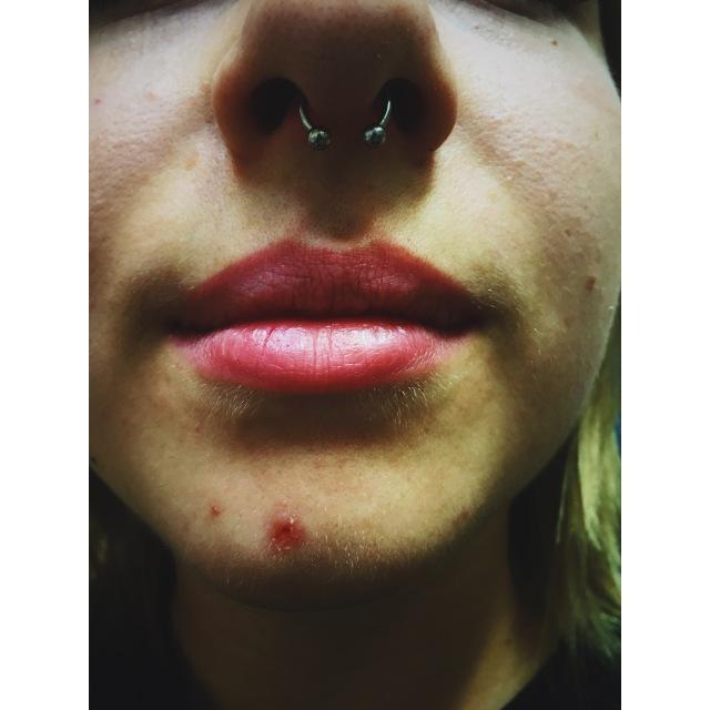 Alicja's Septum Piercing