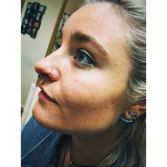 Vilde's Septum Piercing